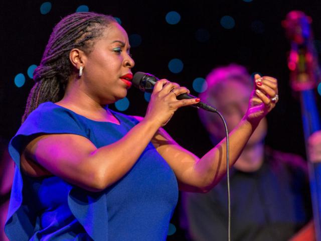 Johnaye Kendrick singing, photo by Daniel Sheehan.