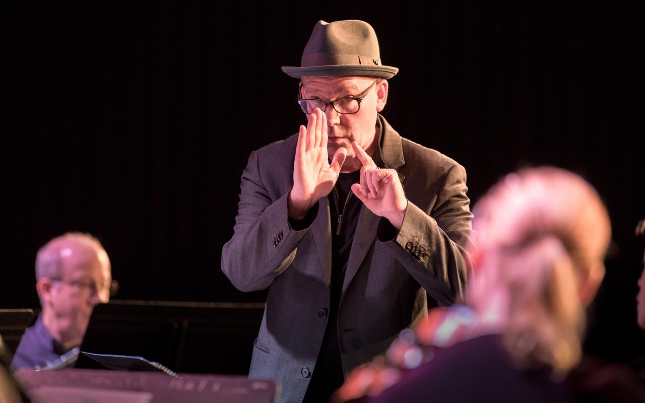 Wayne Horvitz conducting the Seattle Modern Orchestra.