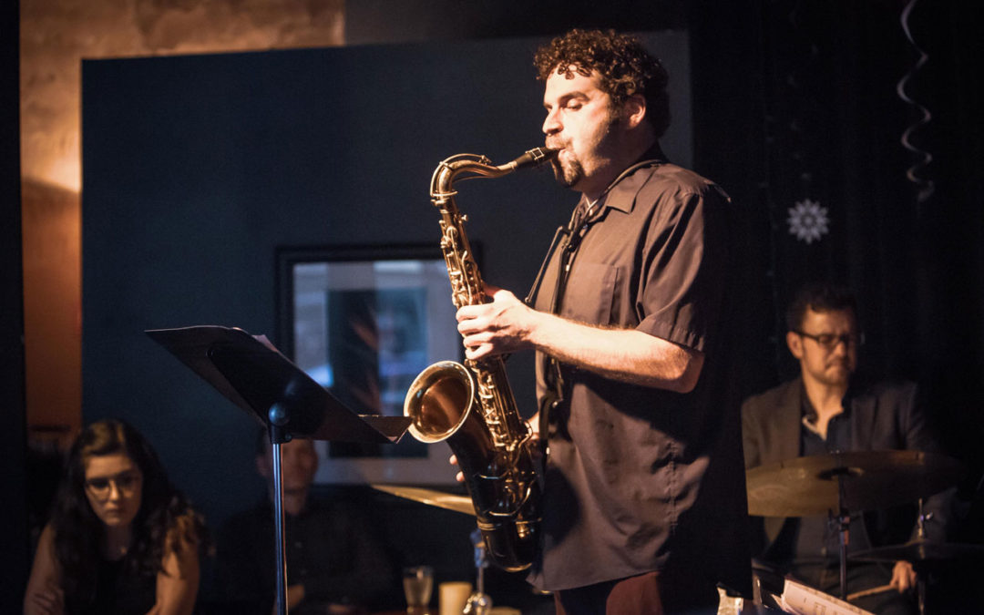 Seattle saxophonist Steve Treseler playing a saxophone